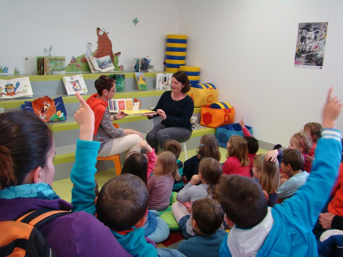 Accueil de groupes d'enfants à la Médiathèque de Saint-Jean-de-Monts