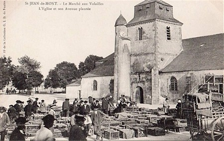Foire sur la place de l'église Saint-Jean