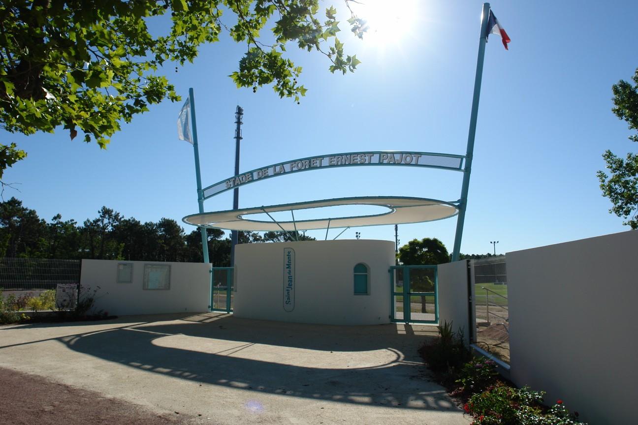 Entrée Stade-de-la-foret-Ernest Pajot