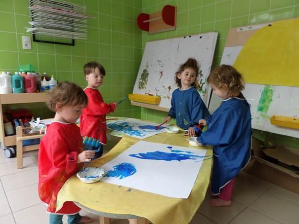 Multi-accueil Frimousse - Activité peinture