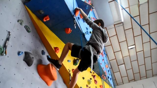 Foyer des jeunes de Saint-Jean-de-Monts - Activité escalade